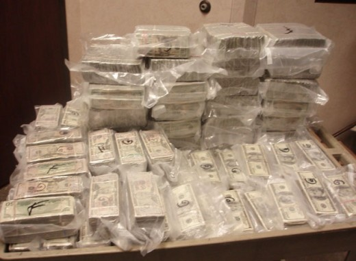 Texas Troopers seize over 2 Million in Cash in Zavala County